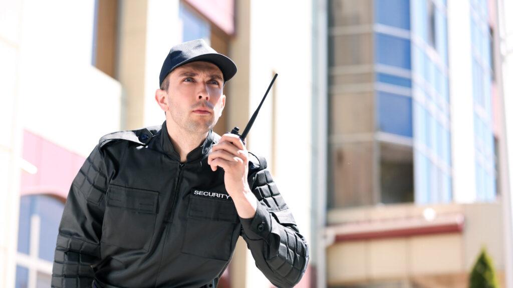 охранник в отеле